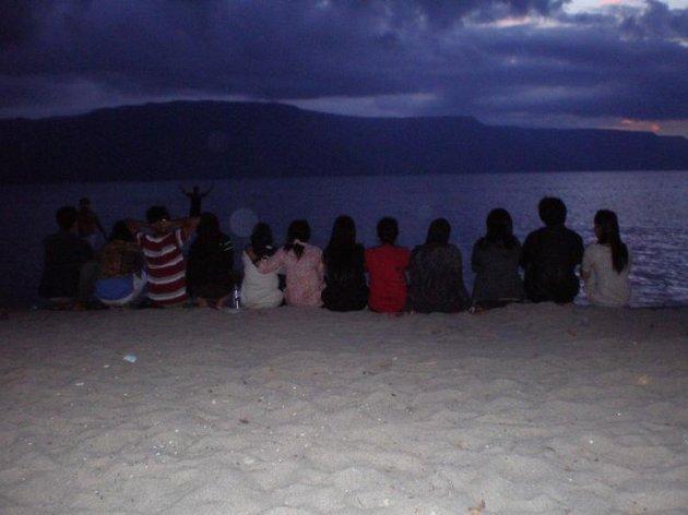 koleksi pribadi, diambil di Pantai Pasir Putih, Danau Toba. Pulau Samosir, 10 Juli 2010